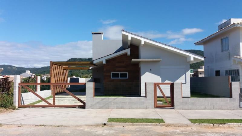 Casa Código 199 para Venda no bairro Palhocinha na cidade de Garopaba