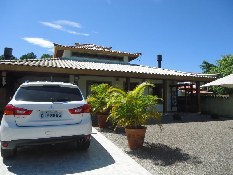 Casa Código 203 para Venda no bairro Pinguirito na cidade de Garopaba