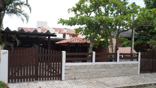 Casa Código 143 para Temporada no bairro Centro na cidade de Garopaba