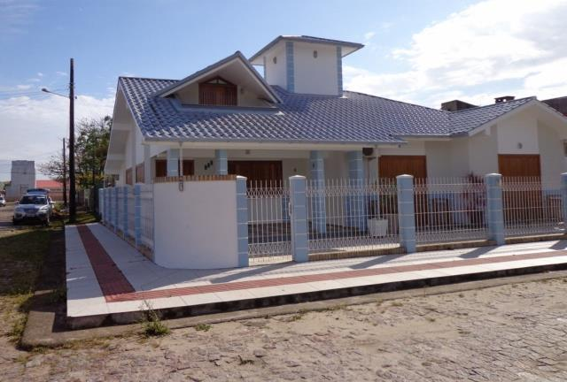 Casa Código 150 a Venda  no bairro Centro na cidade de Garopaba