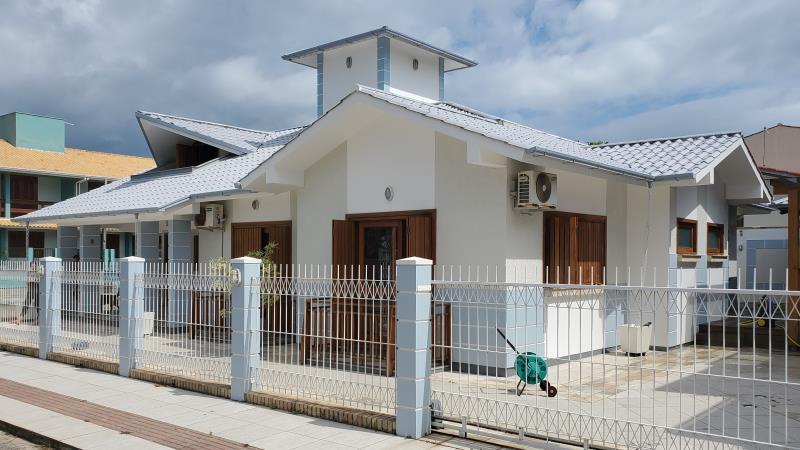 Casa-Codigo-150-a-Venda--no-bairro-Centro-na-cidade-de-Garopaba-Condominio-