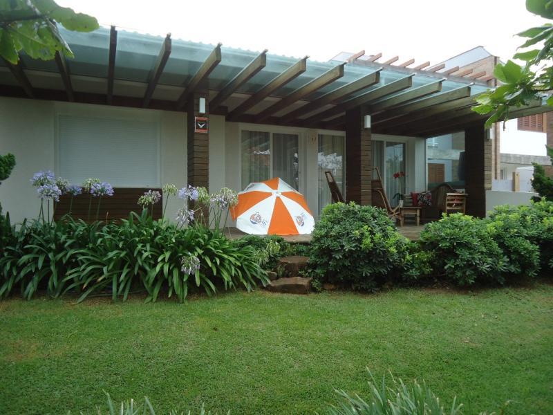 Casa-Codigo-65-para-Temporada--no-bairro-Morrinhos-na-cidade-de-Garopaba
