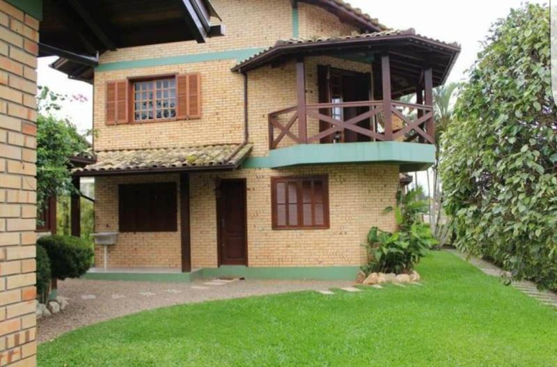 Casa Código 239 para Venda no bairro Panorâmico na cidade de Garopaba