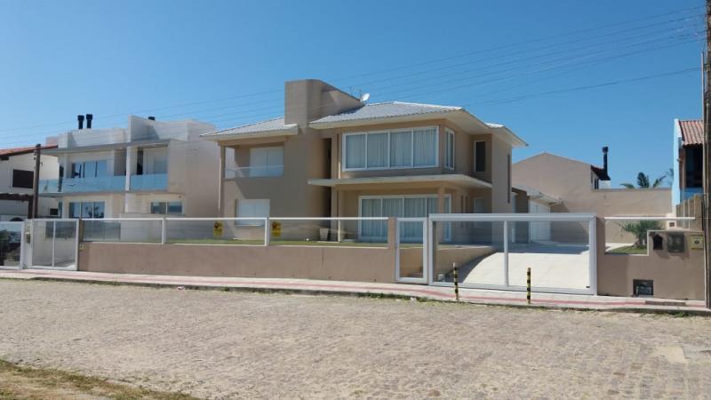 Casa Código 112 para Temporada no bairro Centro na cidade de Garopaba