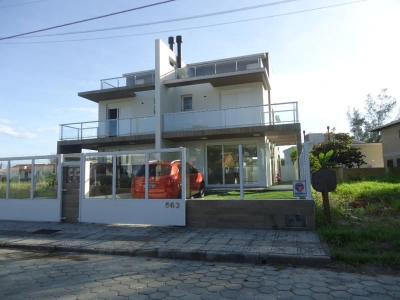 Casa Geminada Código 52 para Temporada no bairro Morrinhos na cidade de Garopaba