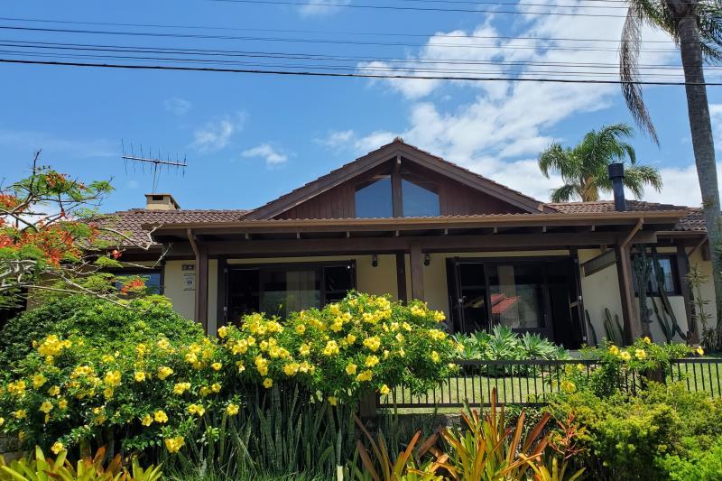 Casa-Codigo-227-a-Venda--no-bairro-Panorâmico-na-cidade-de-Garopaba-Condominio-