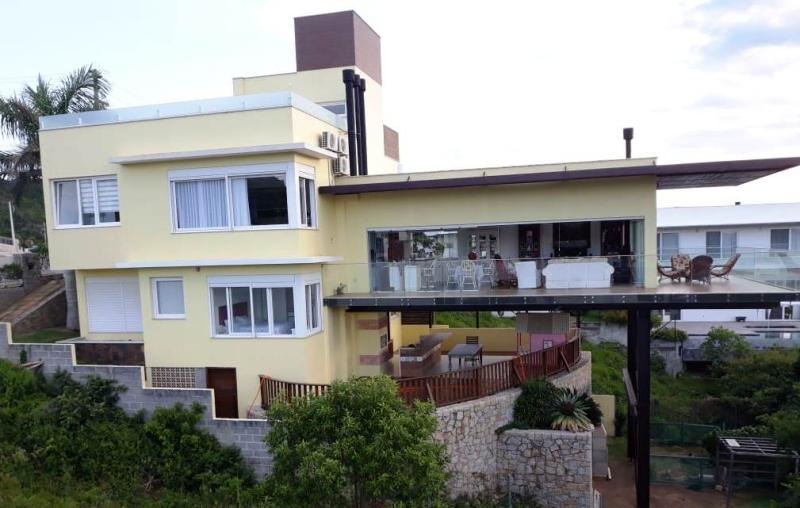 Casa Código 237 para Venda no bairro Panorâmico na cidade de Garopaba