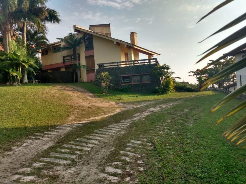 Casa Código 130 para Temporada no bairro Ferraz na cidade de Garopaba