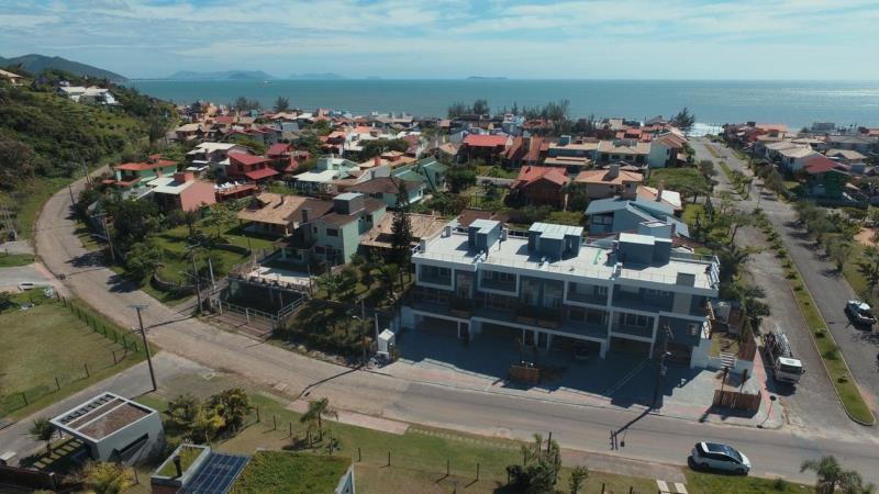 Duplex - Geminada-Codigo-261-para-Aluguel-Temporada--no-bairro-Morrinhos-na-cidade-de-Garopaba