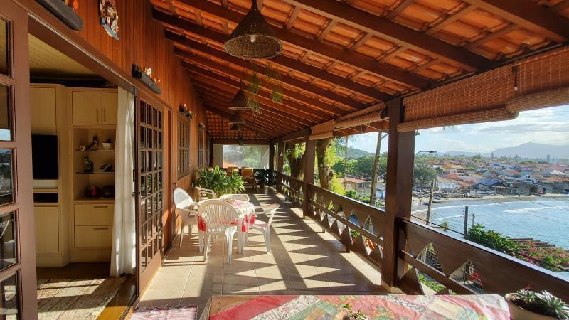 Casa-Codigo-622-a-Venda--no-bairro-Vigia-na-cidade-de-Garopaba-Condominio-