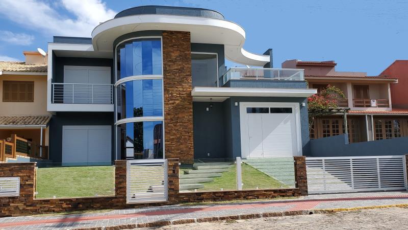 Casa-Codigo-623-a-Venda--no-bairro-Morrinhos-na-cidade-de-Garopaba-Condominio-