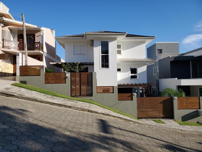 Casa-Codigo-624-a-Venda--no-bairro-Panorâmico-na-cidade-de-Garopaba-Condominio-