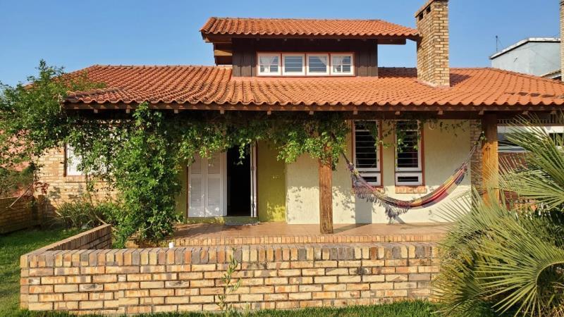 Casa Código 64 para Temporada no bairro Morrinhos na cidade de Garopaba