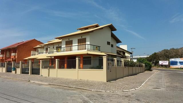 Sobrado Código 96 para Aluguel Temporada Roni Ipês no bairro Morrinhos na cidade de Garopaba