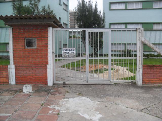 Entrada , Frente Av. 3 de outubro