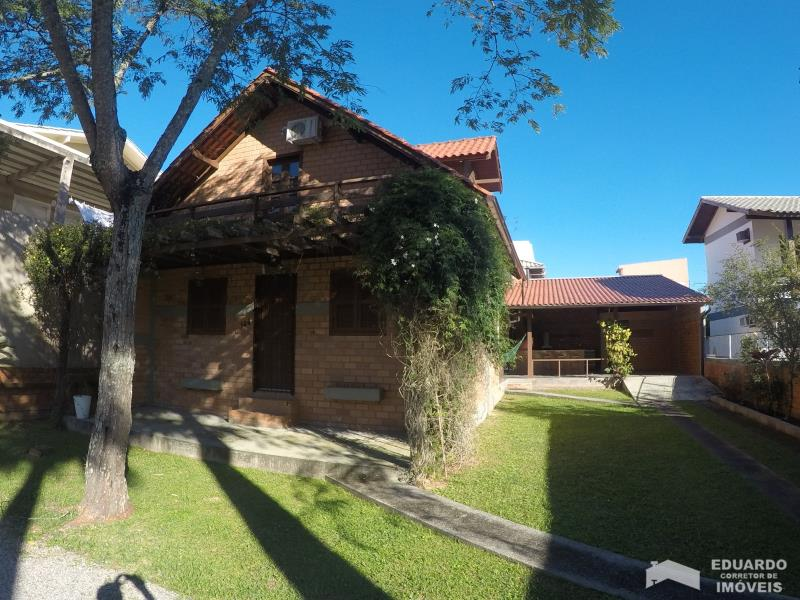 Casa Código 98Temporada no bairro Cachoeira do Bom Jesus na cidade de Florianópolis