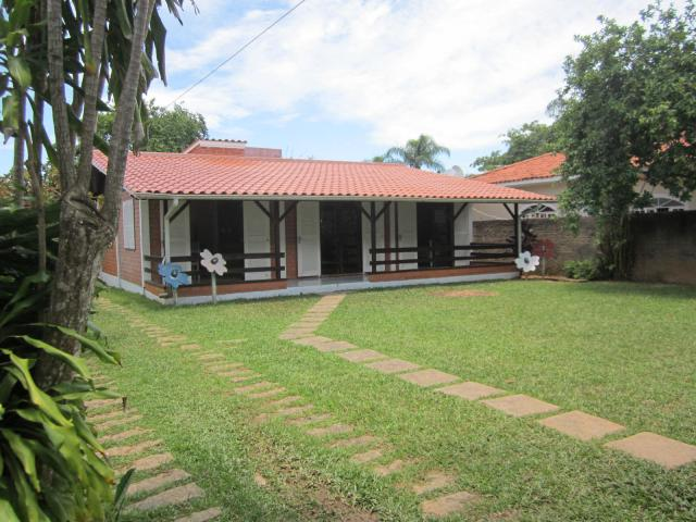 Casa Código 102Temporada no bairro Cachoeira do Bom Jesus na cidade de Florianópolis
