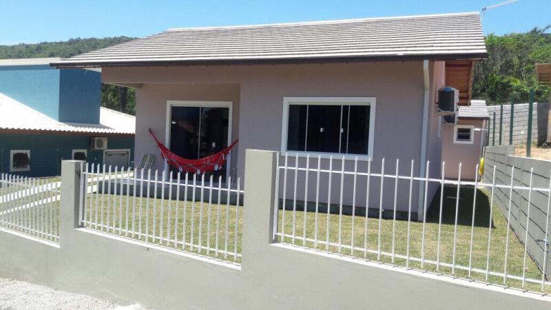 Casa Código 117Temporada no bairro Cachoeira do Bom Jesus na cidade de Florianópolis