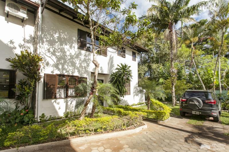 Duplex - Geminada Código 153Temporada no bairro Cachoeira do Bom Jesus na cidade de Florianópolis