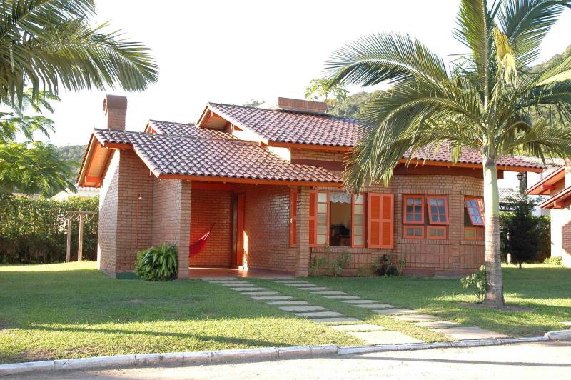 Casa Código 171Temporada no bairro Cachoeira do Bom Jesus na cidade de Florianópolis