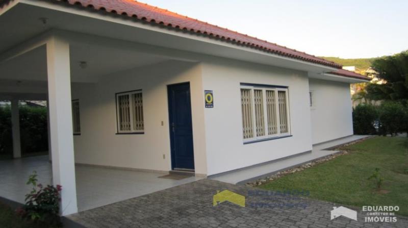 Casa Código 208Temporada no bairro Ponta das  Canas na cidade de Florianópolis