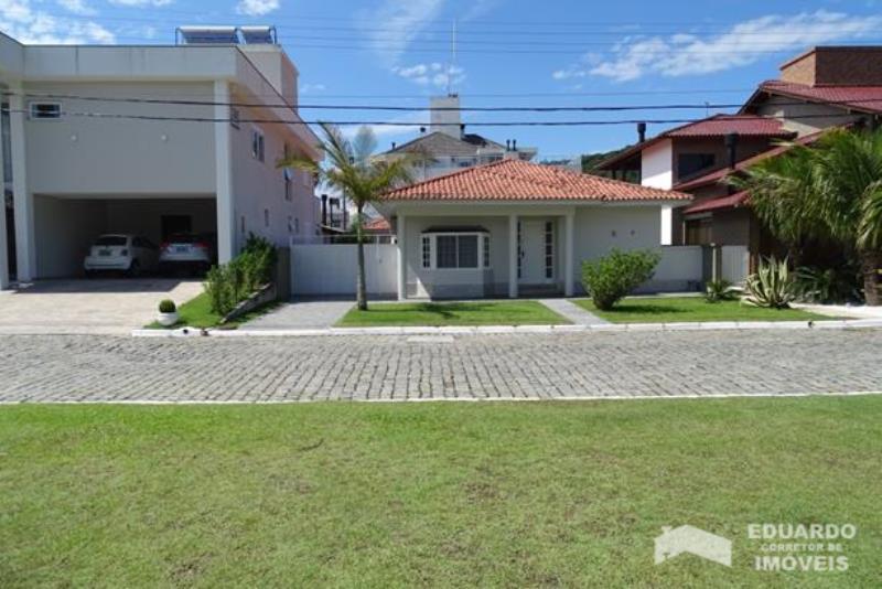 Casa Código 233Temporada no bairro Cachoeira do Bom Jesus na cidade de Florianópolis