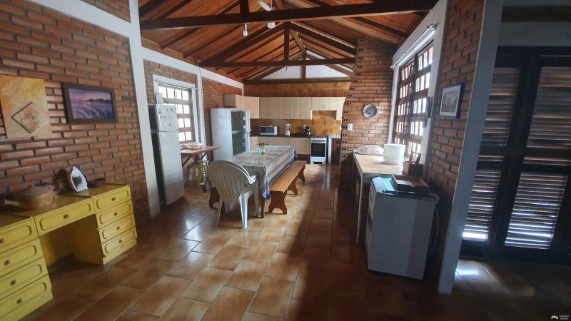 Casa Código 331 para Aluguel Temporada  no bairro Cachoeira do Bom Jesus na cidade de Florianópolis