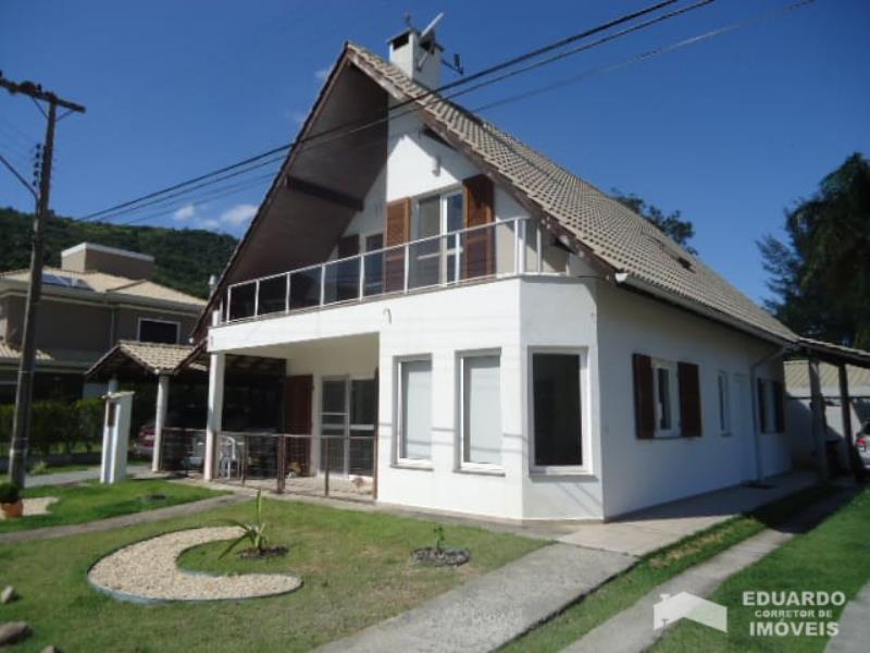 Casa Código 398Venda no bairro Cachoeira do Bom Jesus na cidade de Florianópolis