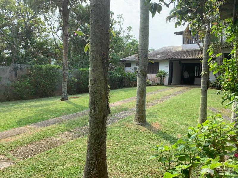 Casa Código 413 para Venda  no bairro Ponta das  Canas na cidade de Florianópolis