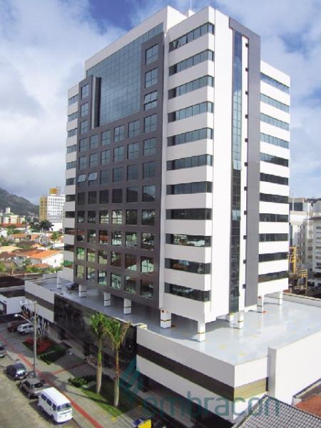 Sala Código 99 para locação The Place Office no bairro Trindade na cidade de Florianópolis