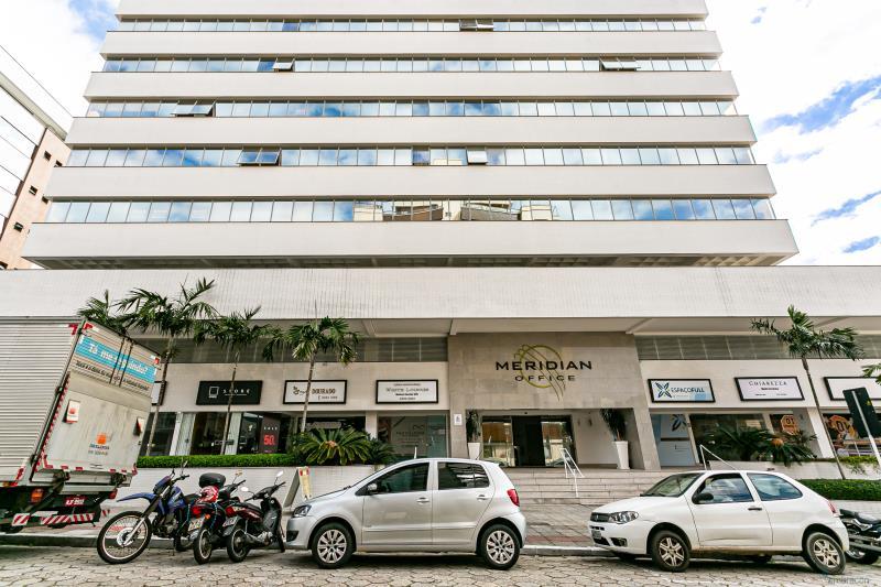 Sala Código 184 para locação Meridian Office no bairro Trindade na cidade de Florianópolis