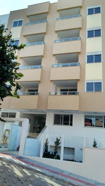 Apartamento Código 753 para comprar no bairro Pantanal na cidade de Florianópolis