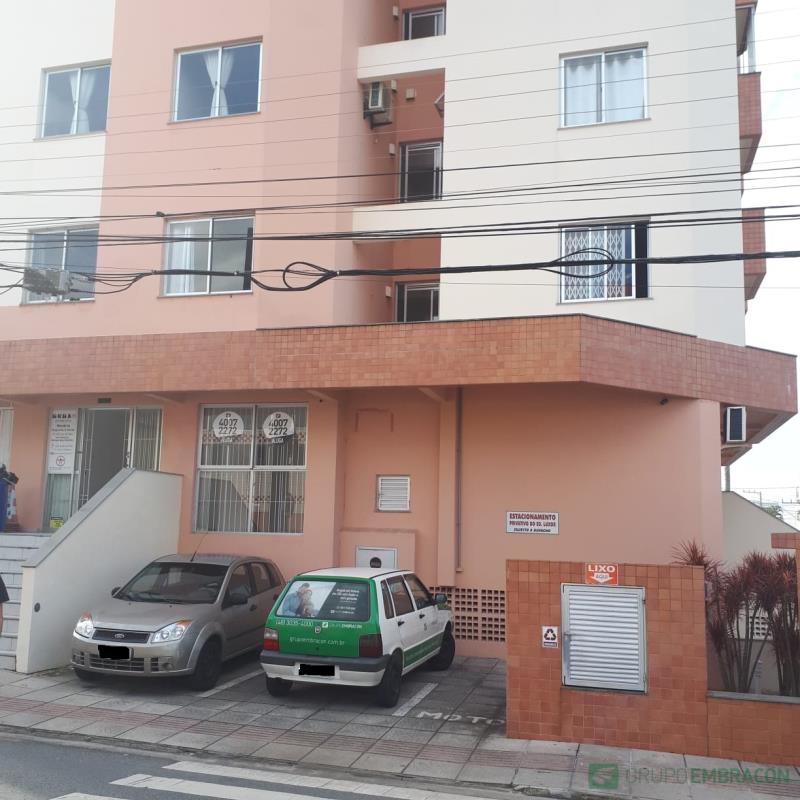 Sala Código 755 para comprar Luxor no bairro Barreiros na cidade de São José
