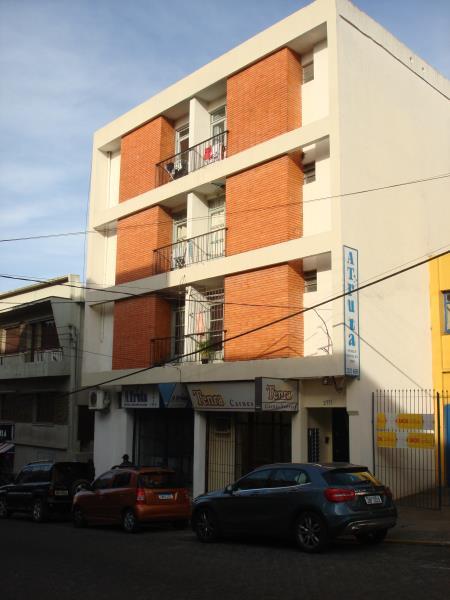 Kitnet Código 6716 para alugar no bairro Centro na cidade de Santa Maria Condominio ed. werner doeler
