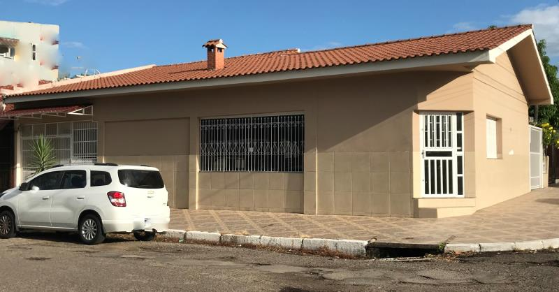 Casa Código 6825 a Venda no bairro Passo D'Areia na cidade de Santa Maria