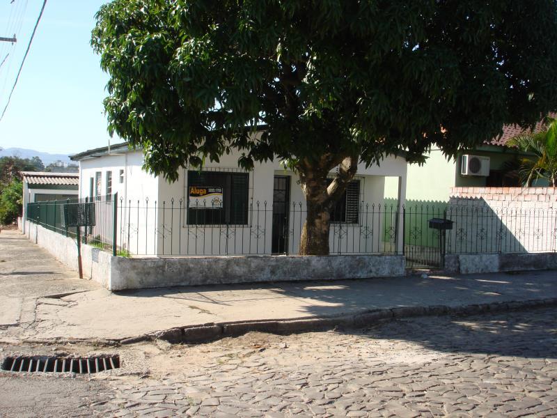 Casa Código 6850 para alugar no bairro Urlândia na cidade de Santa Maria