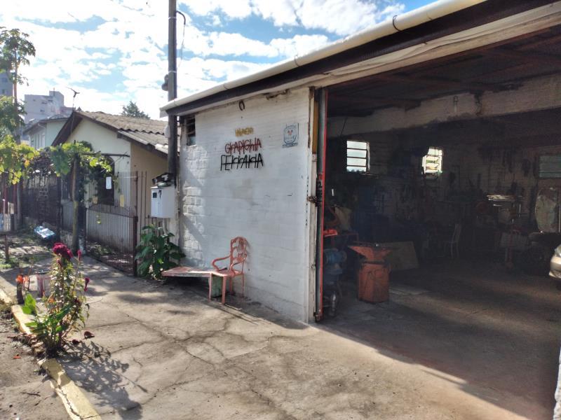 Casa Código 6887 a Venda no bairro Nossa Senhora Medianeira na cidade de Santa Maria