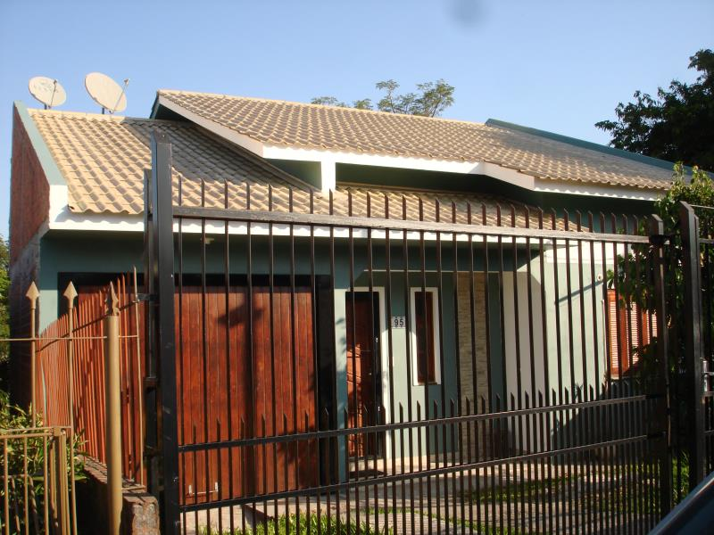 Casa Código 6912 para alugar no bairro Juscelino Kubitschek na cidade de Santa Maria