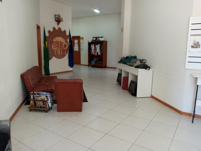 Loja Código 7040 para alugar no bairro Centro na cidade de Santa Maria