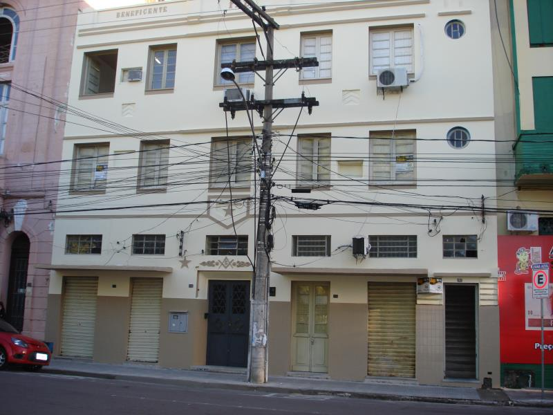 Sala Código 896 para alugar no bairro Centro na cidade de Santa Maria Condominio ed. sociedade paz e trabalho