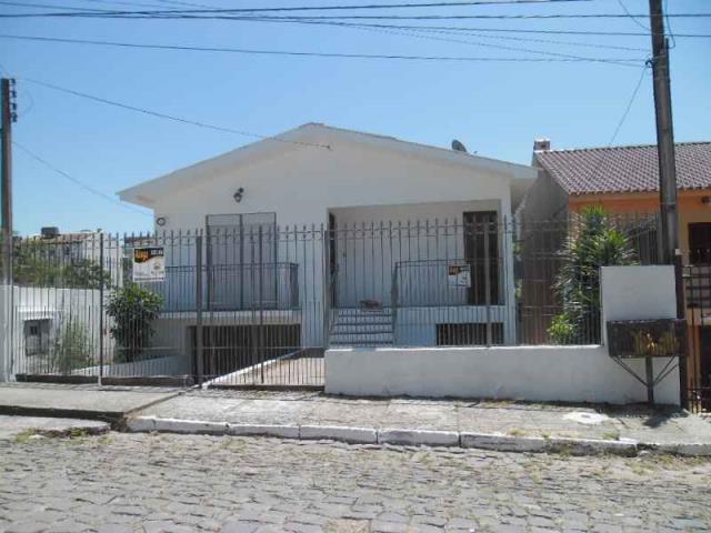 Casa Código 2900 para alugar no bairro Nossa Senhora das Dores na cidade de Santa Maria