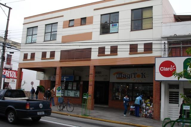 Sala Código 3178 para alugar no bairro Centro na cidade de Santa Maria Condominio conj. com.  galeria krebs