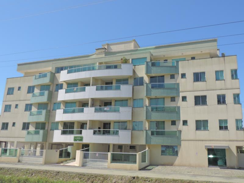 Apartamento-Codigo-20-para-Alugar-na-temporada-no-bairro-Bombas-na-cidade-de-Bombinhas
