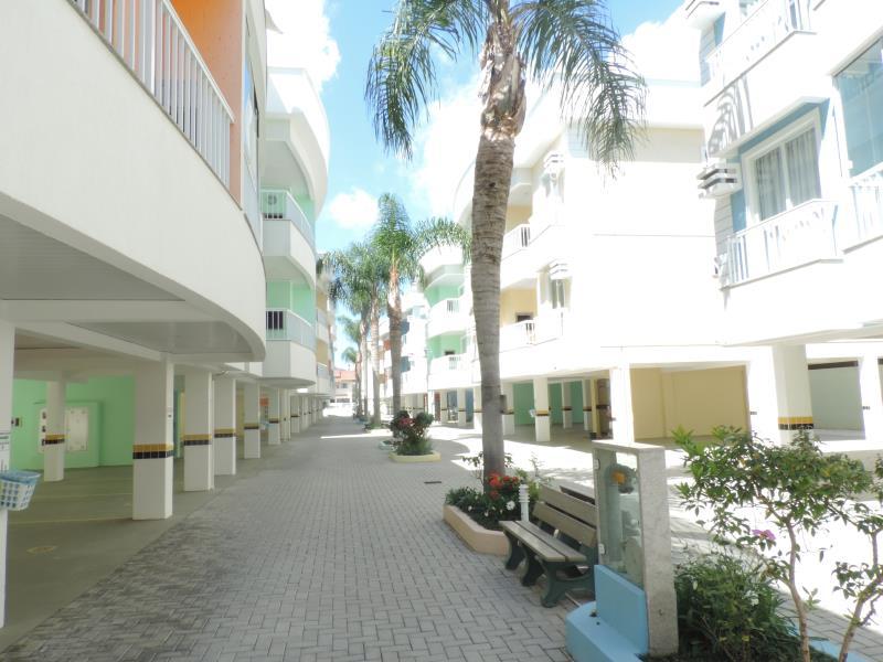 Apartamento-Codigo-27-para-Alugar-na-temporada-no-bairro-Bombas-na-cidade-de-Bombinhas