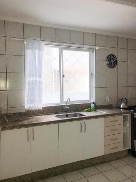 Apartamento-Codigo-33-para-Alugar-na-temporada-no-bairro-Bombas-na-cidade-de-Bombinhas