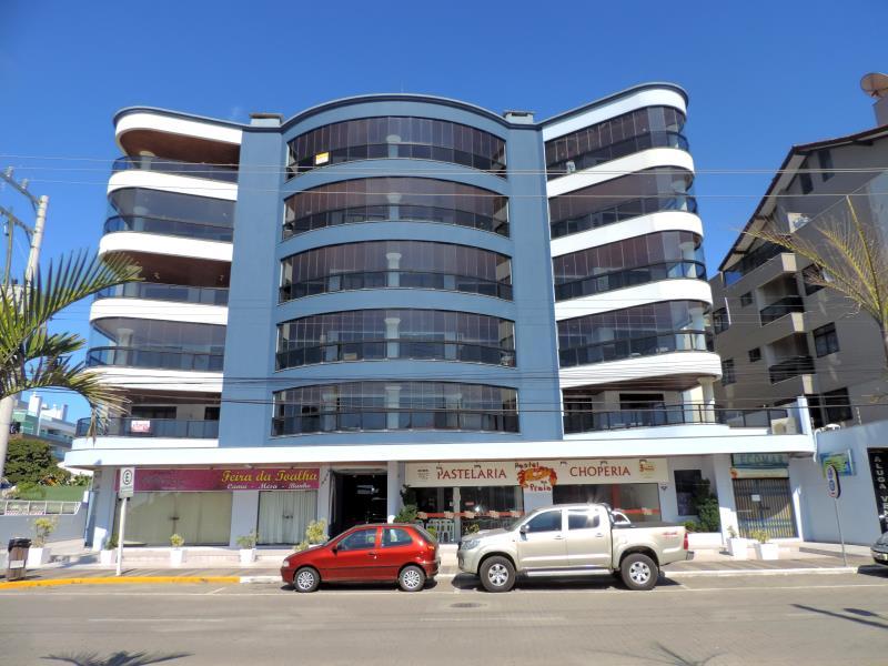 Apartamento-Codigo-57-para-Alugar-na-temporada-no-bairro-Bombas-na-cidade-de-Bombinhas