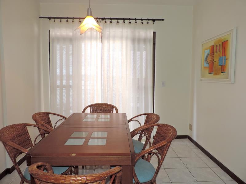 Apartamento-Codigo-58-para-Alugar-na-temporada-no-bairro-Bombas-na-cidade-de-Bombinhas