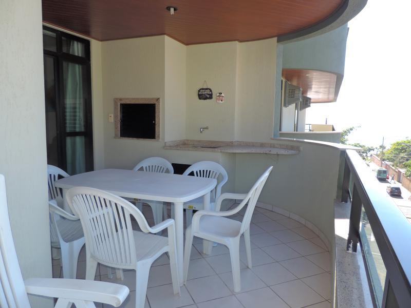 Apartamento-Codigo-112-para-Alugar-na-temporada-no-bairro-Bombas-na-cidade-de-Bombinhas