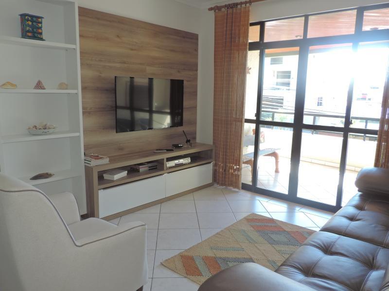 Apartamento-Codigo-116-para-Alugar-na-temporada-no-bairro-Bombas-na-cidade-de-Bombinhas