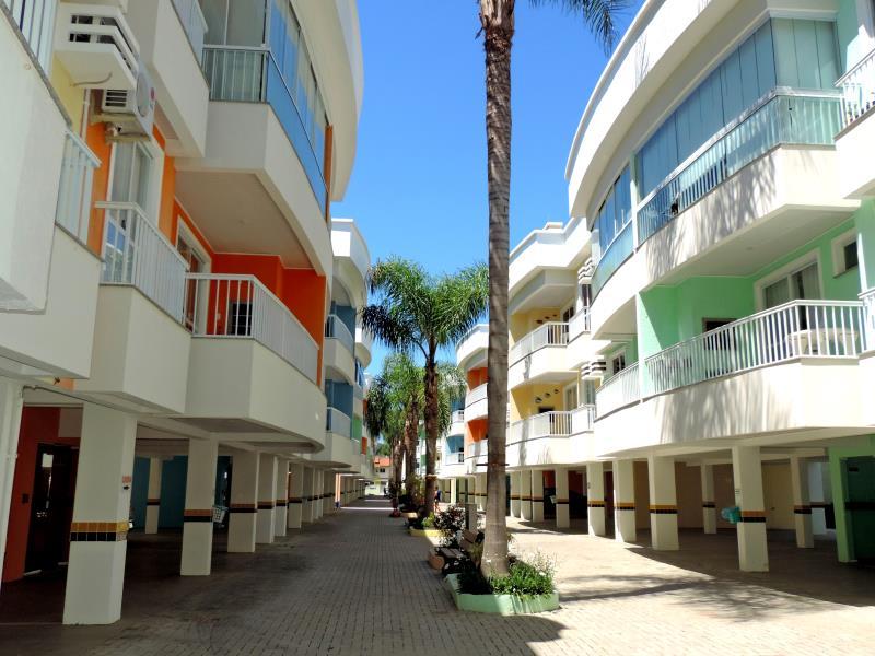 Apartamento-Codigo-120-para-Alugar-na-temporada-no-bairro-Bombas-na-cidade-de-Bombinhas